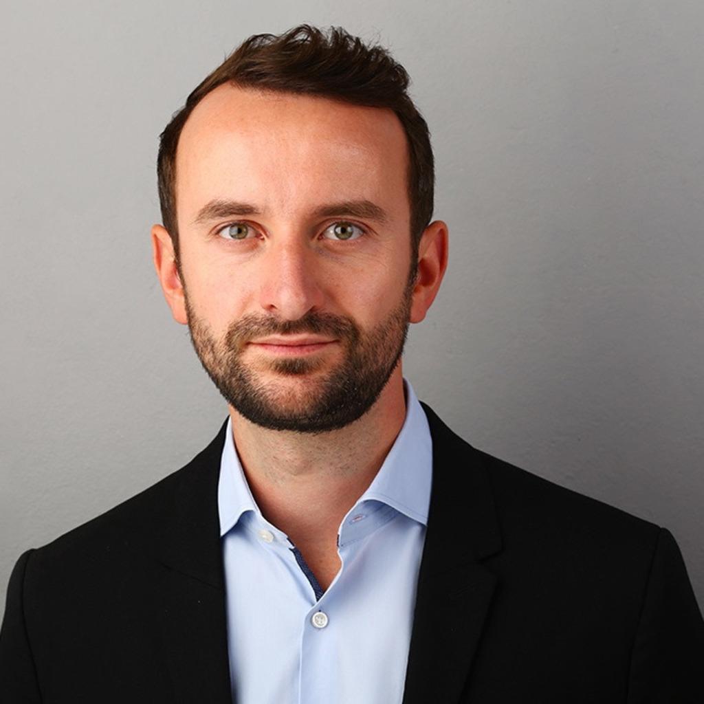 Tobias huber junior consultant dahlbeer for Junior consultant