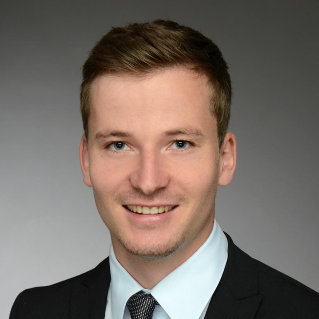 Niclas schumpp junior consultant snp schneider for Junior consultant