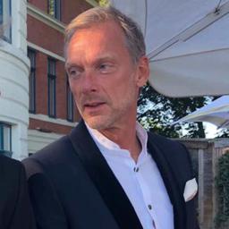 Dr. Ralph Hartmann