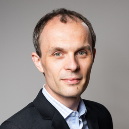 Dr. Florian Hartling