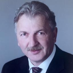 Dr. Christian Engell