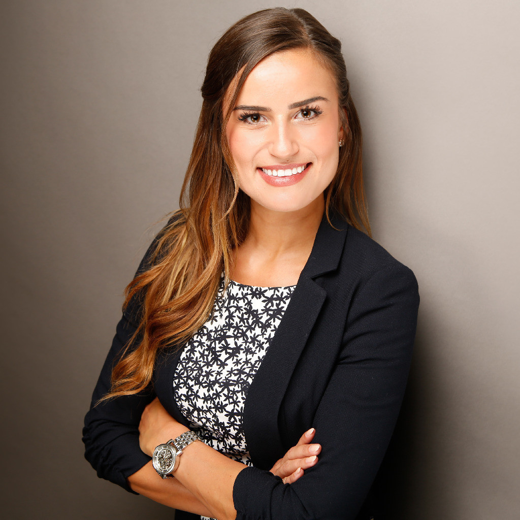 Laura Dobberke Vba Im Spezialvertrieb Allianz