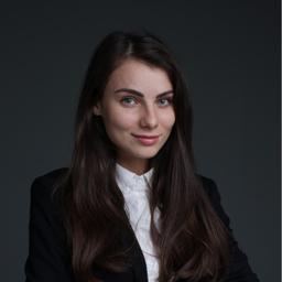 Alexandra Mayer - Sales Desk - Bonn