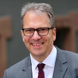 Dr. Dirk Bischoff