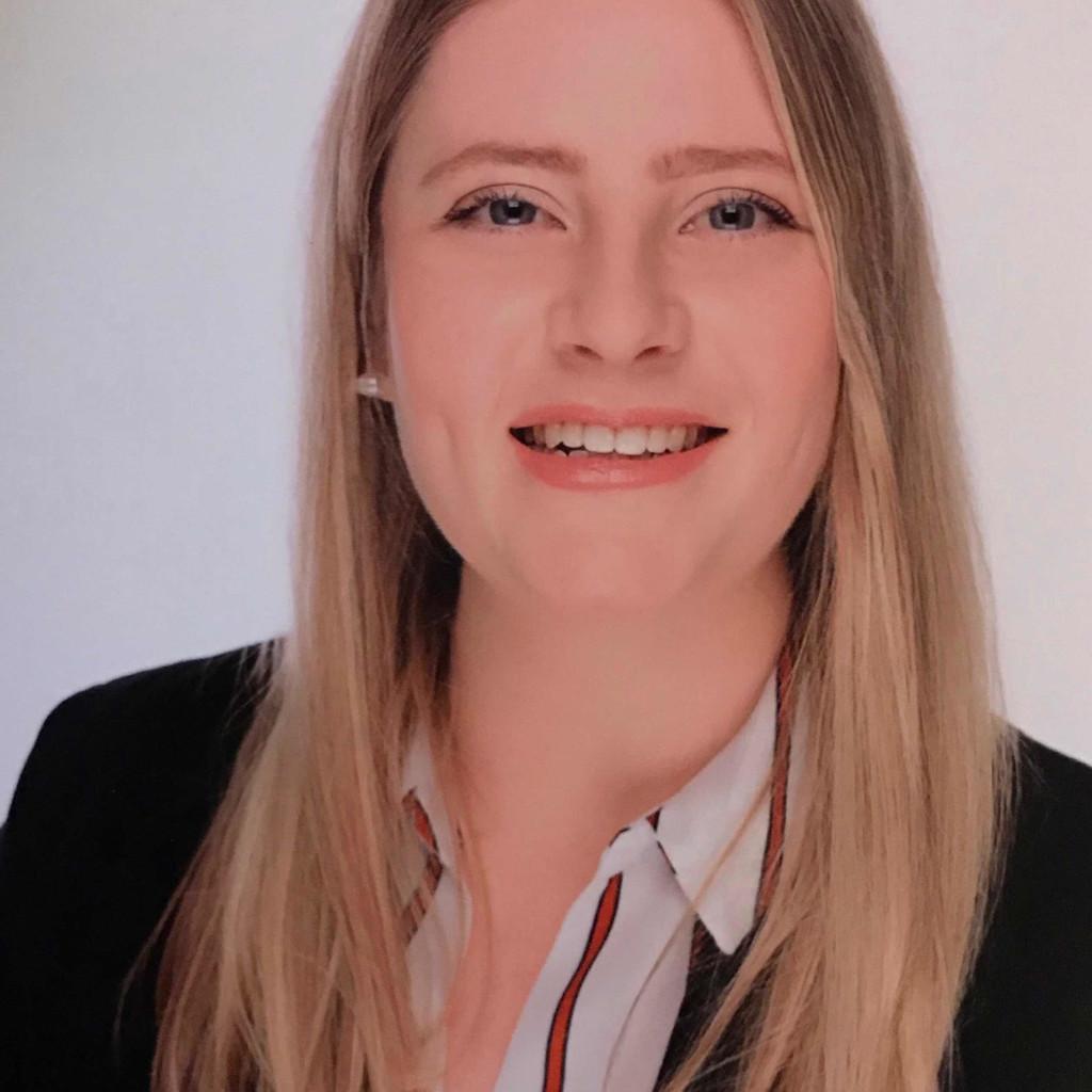 <b>Melanie Ahrens</b> - Director of Convention Sales - Privathotel Lindtner Hamburg ... - jennifer-arndt-foto.1024x1024
