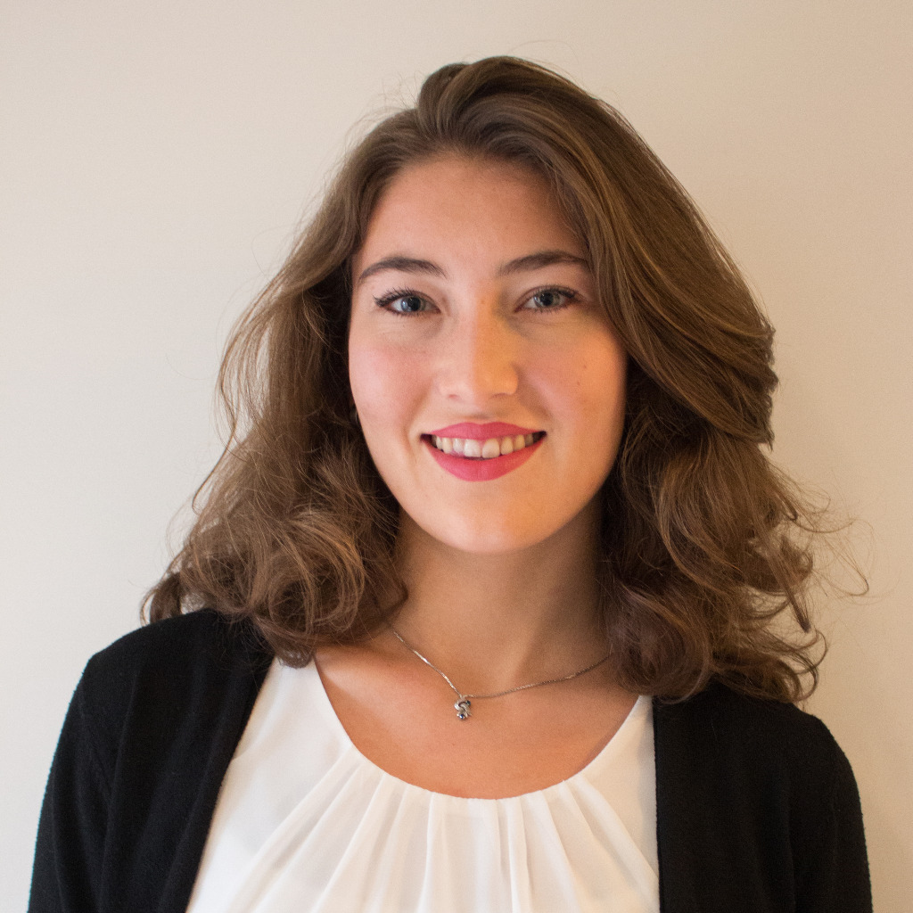 Isabella Schulz - International and Cultural Business