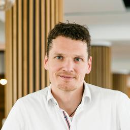 Dr. Tobias Zangmeister