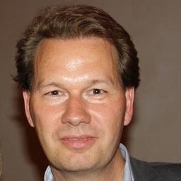 Prof. Dr. Nils Bickhoff