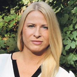 Dr. Sandra Peterwerth - Borgmeier Media Gruppe GmbH - Delmenhorst