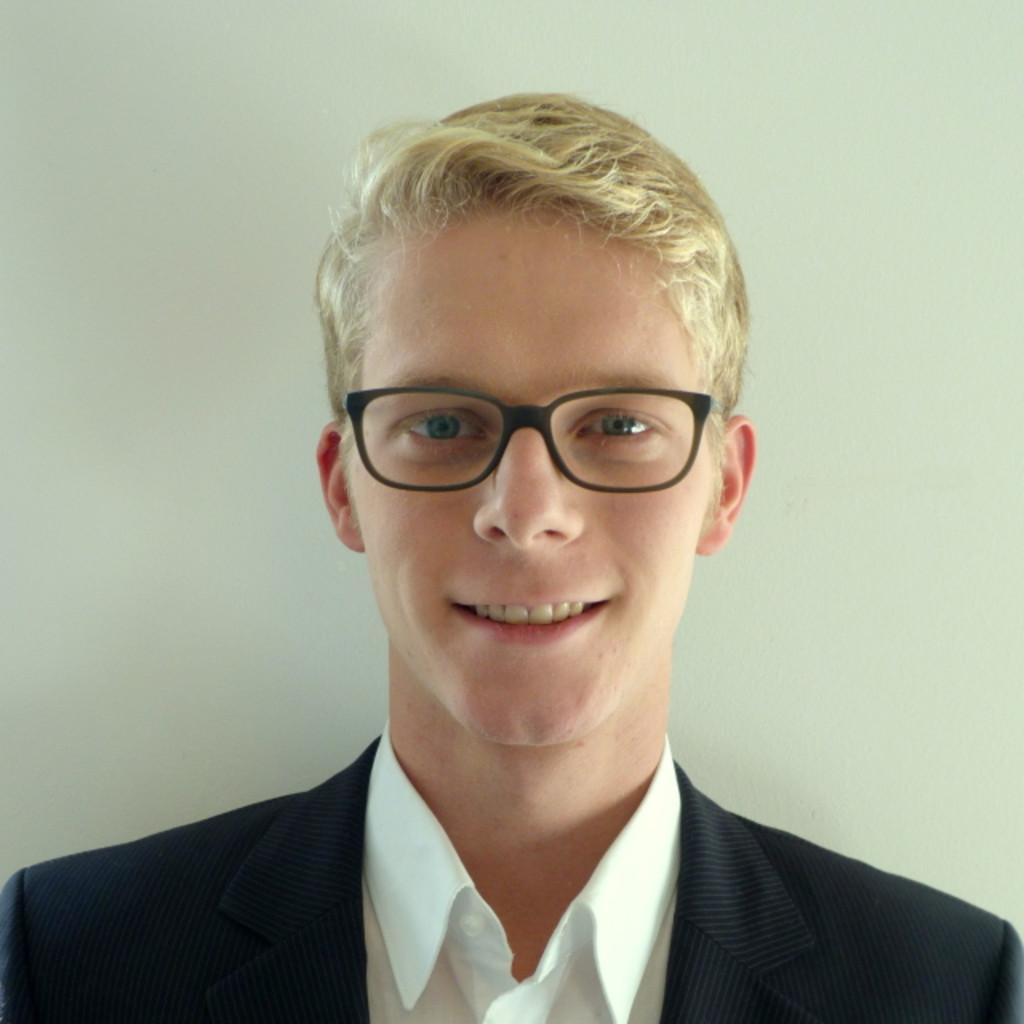 <b>Florian Eberl</b> - Wirtschaftswissenschaften; iBWL - Universität Augsburg | ... - florian-eberl-foto.1024x1024