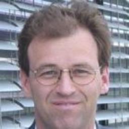 Dr. Harald Föst - SHS VIVEON AG - The Customer Management Company - München