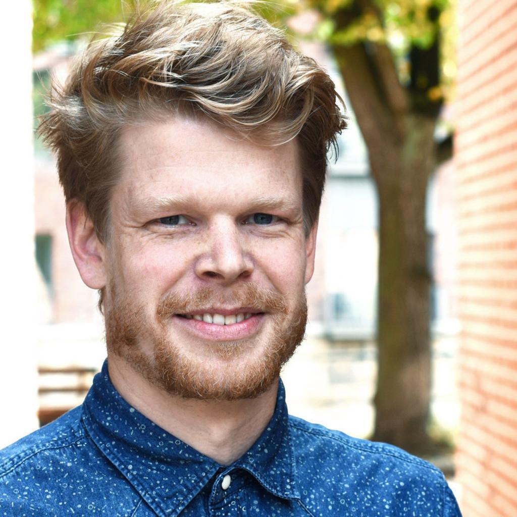 finn naujoks art director markenentwicklung redeleit und junker gmbh xing. Black Bedroom Furniture Sets. Home Design Ideas
