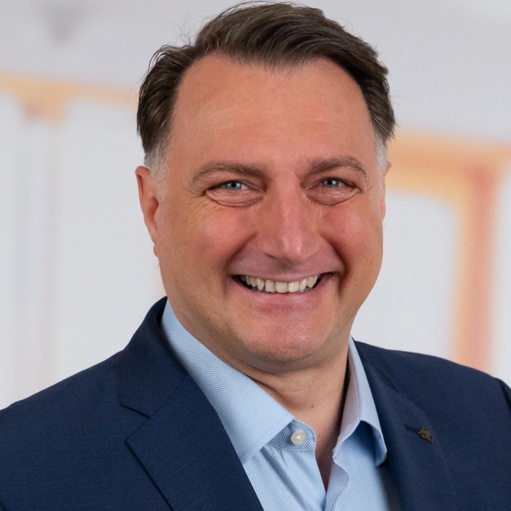 <b>Stephan Ruhmschöttel</b> - Firmenkundenberater - Weser-Elbe-Sparkasse | XING - nils-katarius-foto.1024x1024