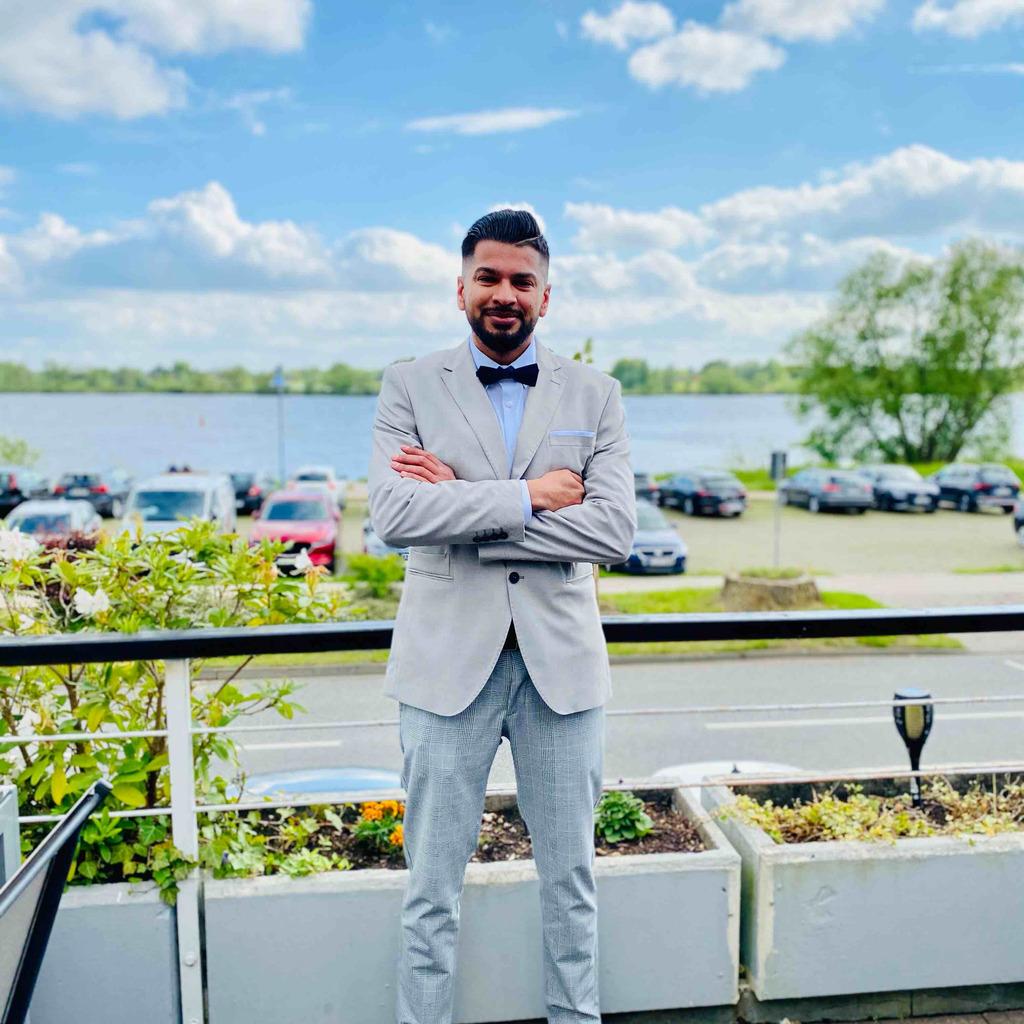 Mohammad Riaz Nawaz - Einkauf - Etronixx