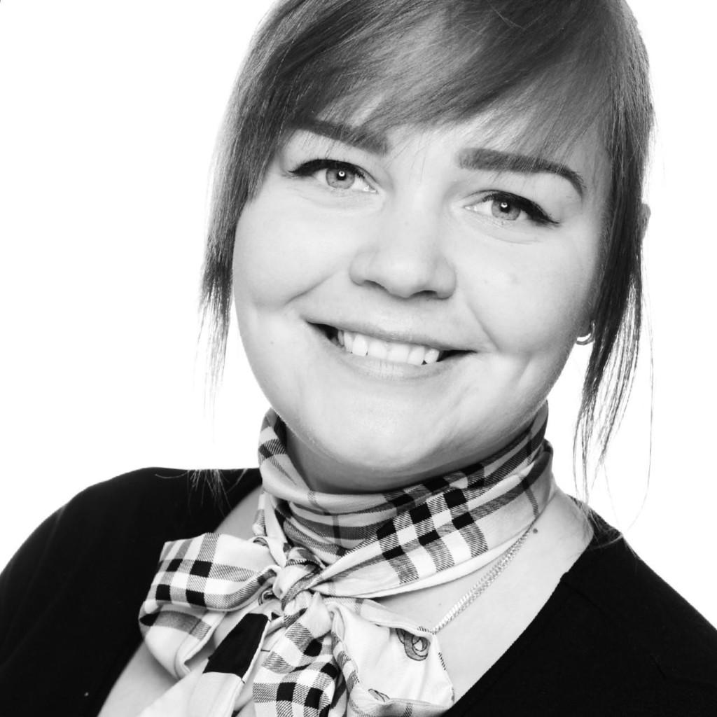Melanie erdmann assessor maack collegen for Juristischer mitarbeiter