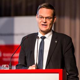 Prof. Dr. Andreas Knaul - Rechtsanwalt Dr. Andreas Knaul - Moskau