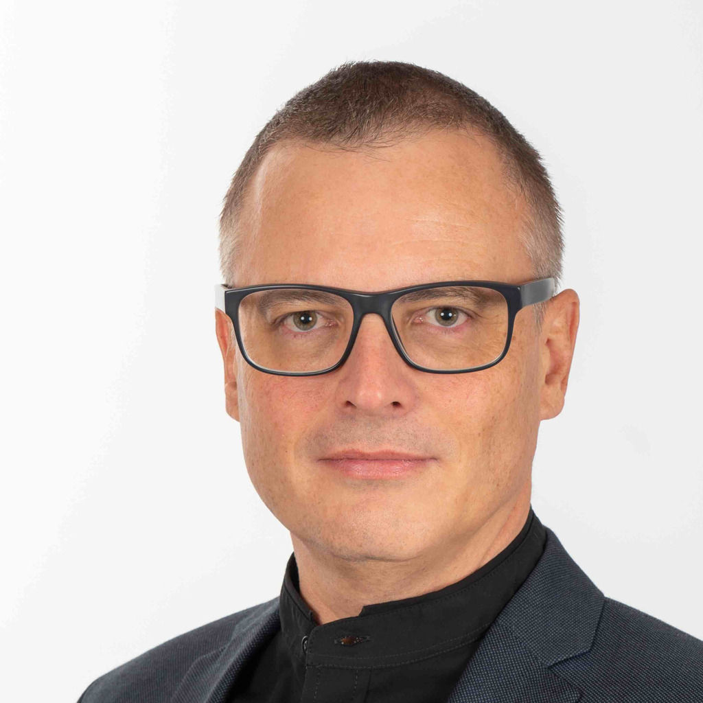 <b>Philipp Gutknecht</b> - Leiter Regional Competence Center (IT-SAP) - migrolino ... - philipp-gutknecht-foto.1024x1024