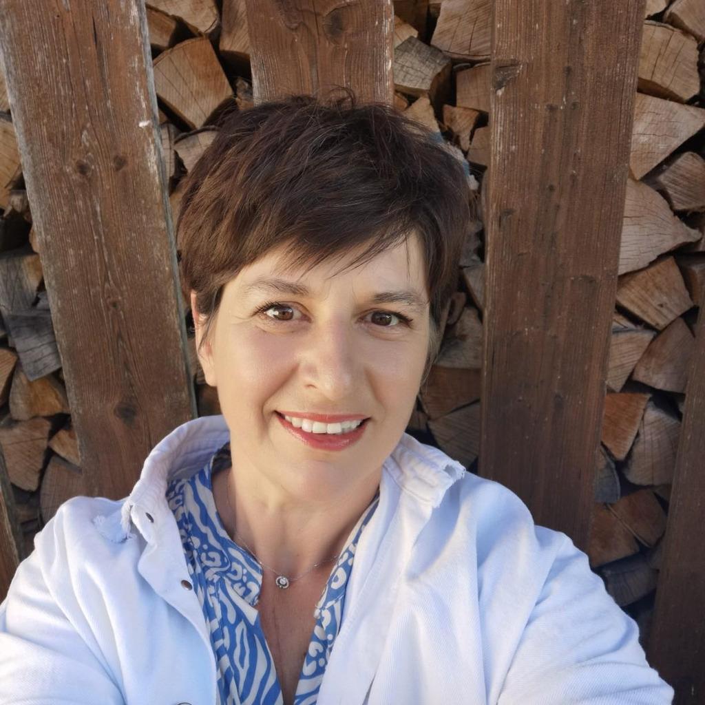 Tanja Benz - Key Account Pharma - AMP Alternative Medical