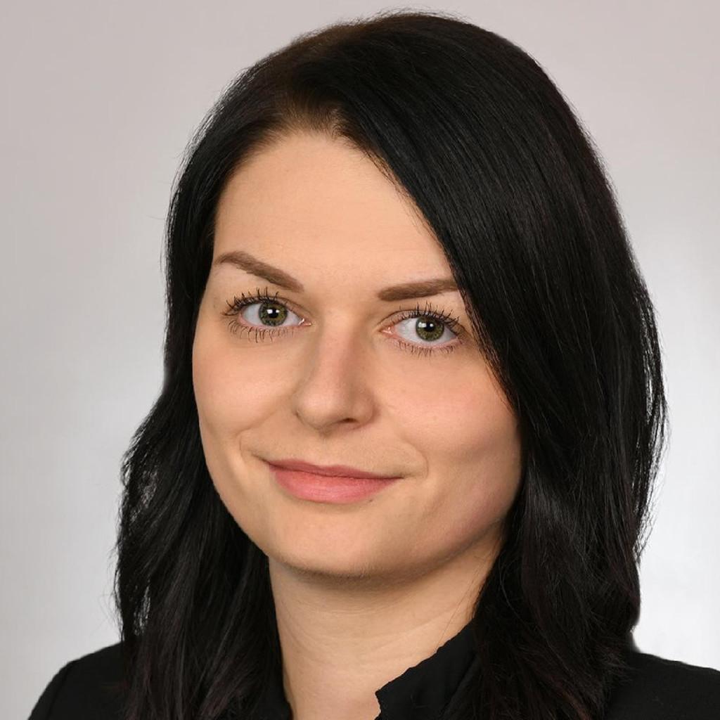 Jessica Binder: Ausbildung und Berufserfahrung | XING  Jessica Binder:...