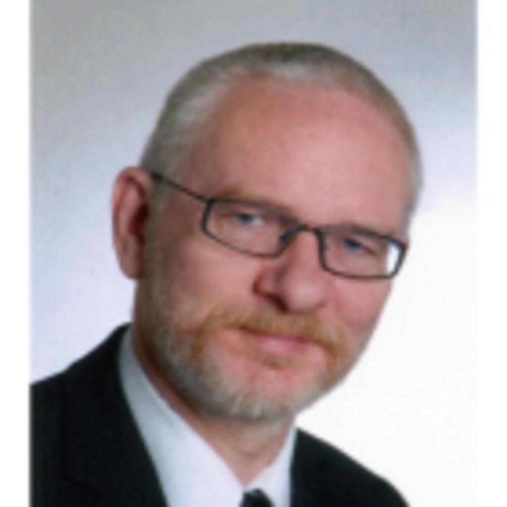 Peter subke director business development softing for Wohndesign peter sandriesser gmbh