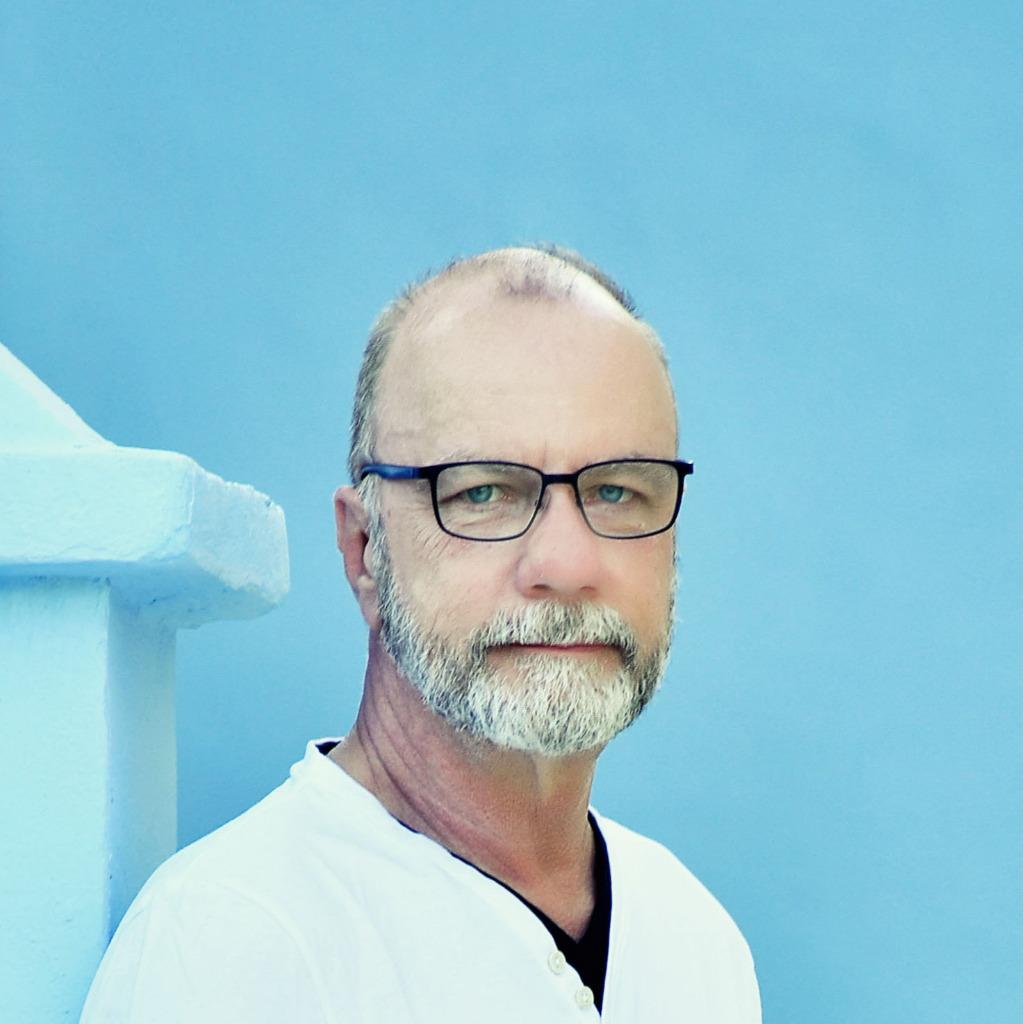 Christian rogge accountmanager new horizons hamburg for Grafikdesigner ausbildung frankfurt