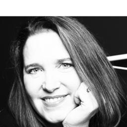Roswitha Warda - Allianz für Assistenzhunde (AllfA) - Pfotenpiloten - Frankfurt, and Berkeley, CA, USA