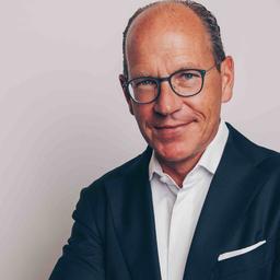 Stefan Albert - VÖLCKERS & CIE Immobilien GmbH Real Estate Advisors - Hamburg