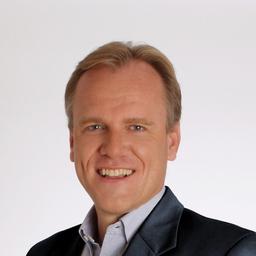 Philipp von der Brüggen - leadtributor gmbh | get more out of your sales channels - München