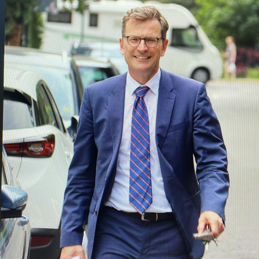 Dr. Hans-Wolfgang Werner - Rechtsanwalt und Steuerberater - Deutsche Telekom ...