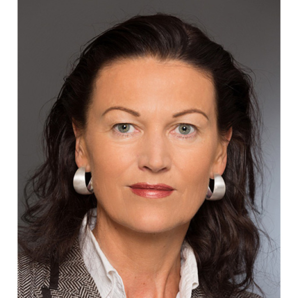 <b>Susanne Roth</b> - Marketing Manager - Director Administration - Gazprom Austria ... - susanne-roth-foto.1024x1024