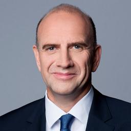 Toni Büttgen - midcom GmbH  -  Cloud CRM, ERP, Service Software & Mobile Apps for Business - Meckenheim