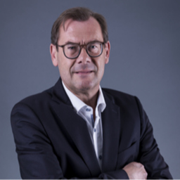 Dr Ulrich Stolz - international