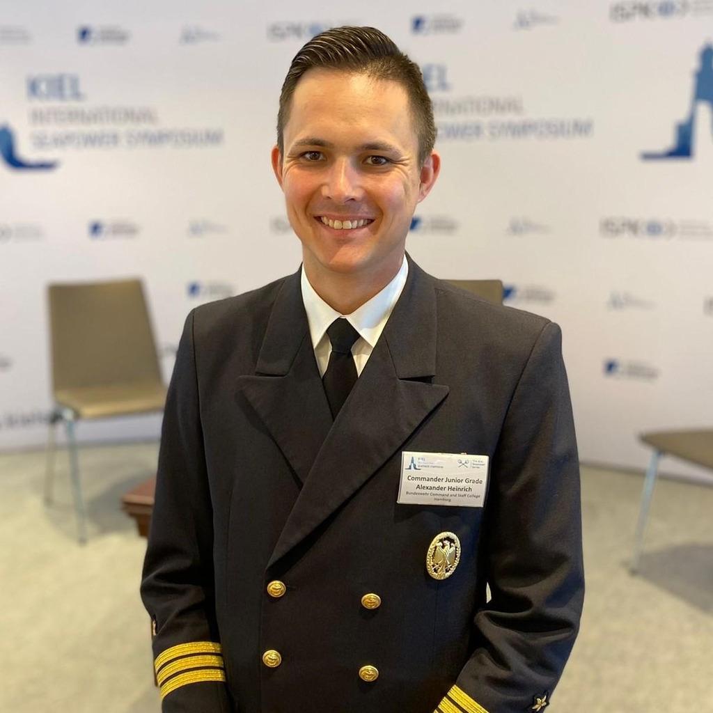 Alexander heinrich personalf hrer marineoffiziere for Alexander heinrich