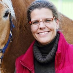 Verena Neuse - DIE PFERDEAKADEMIE - Führungskräfteentwicklung & Business-Coaching mit Pferden - Wentorf bei Hamburg