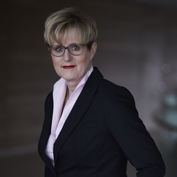 Ilka Engel