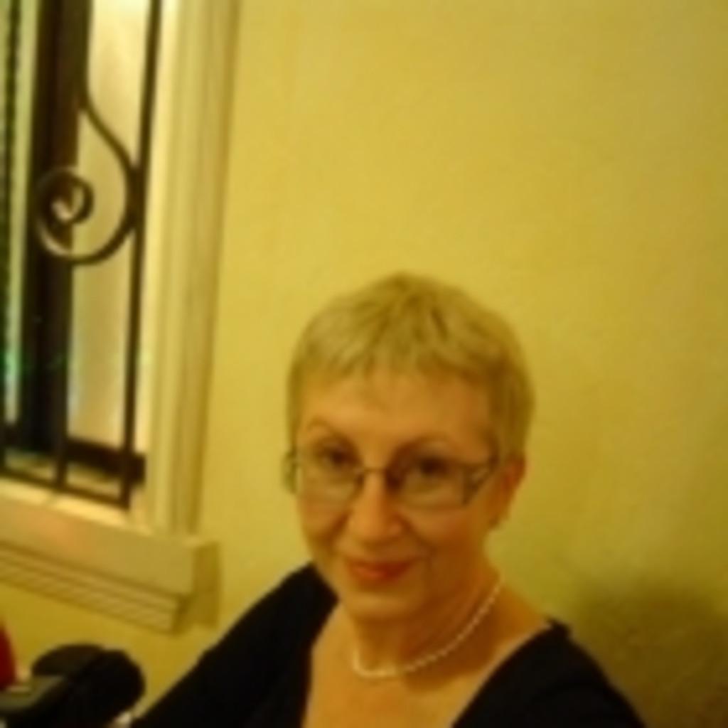 Rodica <b>Elena Cazangiu</b> - General Manager - Avenir Telecom Romania SA | XING - rodica-elena-cazangiu-foto.1024x1024