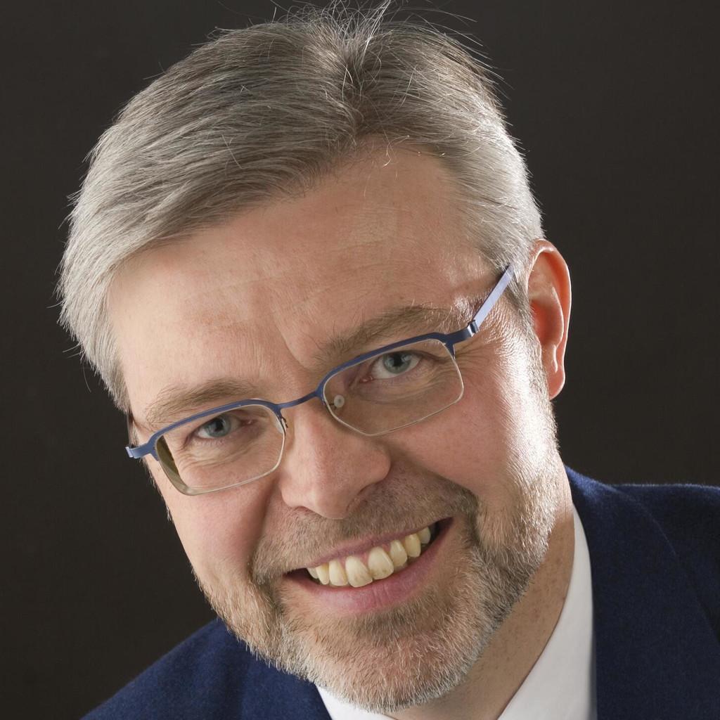 Dr Benedikt Strake Senior Supply Chain Manager Intel