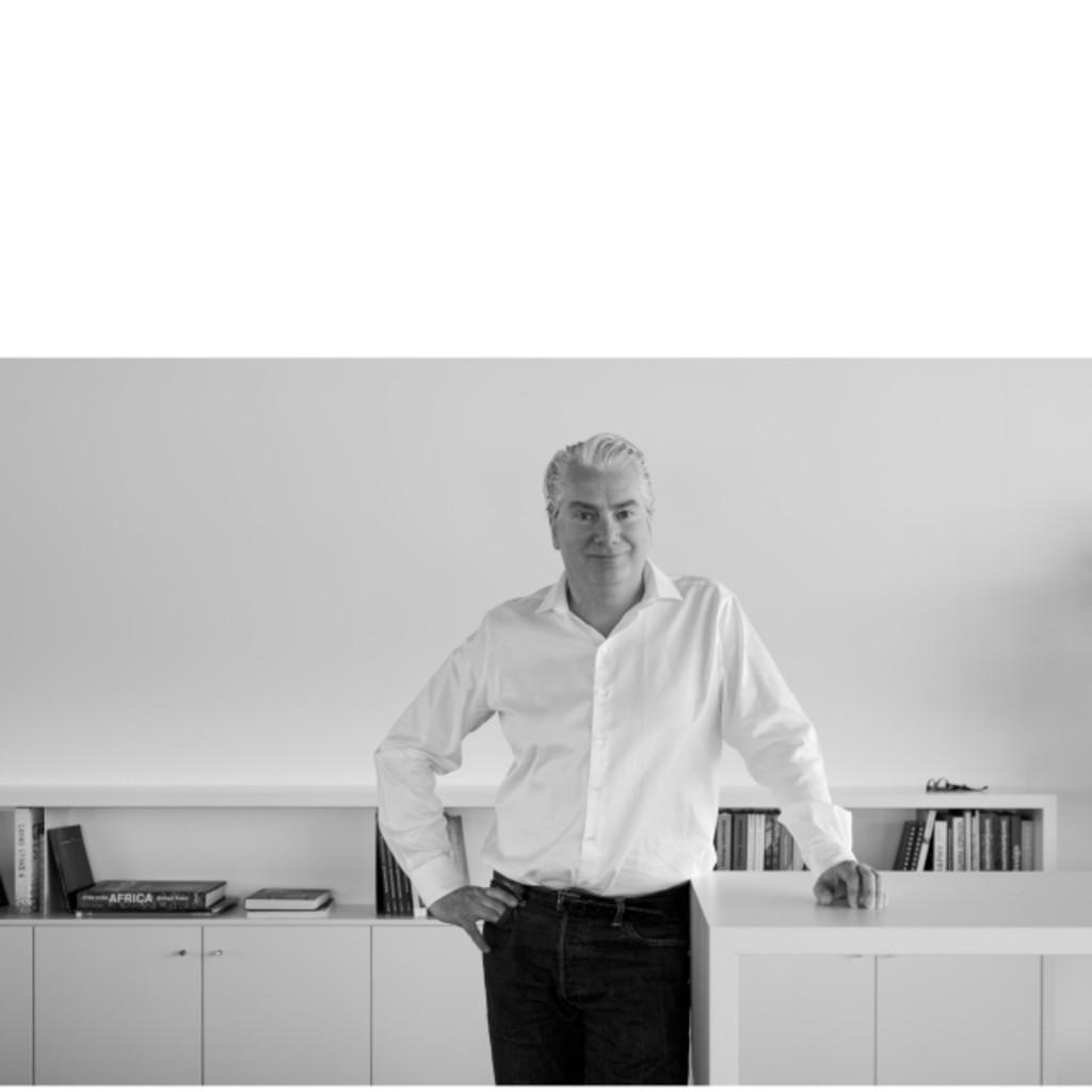 Bruns Messebau julius kügler - geschäftsführer, leitung design - bruns messe- und