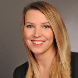 Saskia Baum - Art-Invest Real Estate Management GmbH & Co. KG - Hamburg