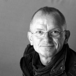 Roland b hm frei nebenberuflich grafik design for Weiterbildung grafikdesign