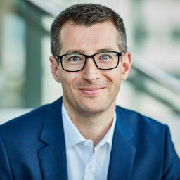 Dr. Tobias Bucher