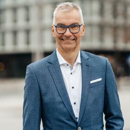 CHRISTIAN WEITZEL - weitzel & friends Unternehmensberatung - Hamburg