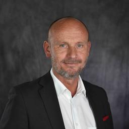 Oliver Schmitz - kompetent - strategisch - zielorientiert - zuverlässig - Hamburg