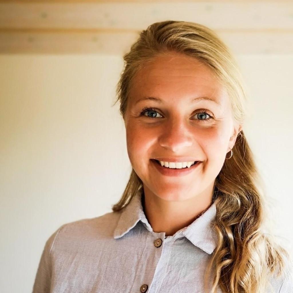Jasmin Lange - Junior Account Manager - KNSK Werbeagentur