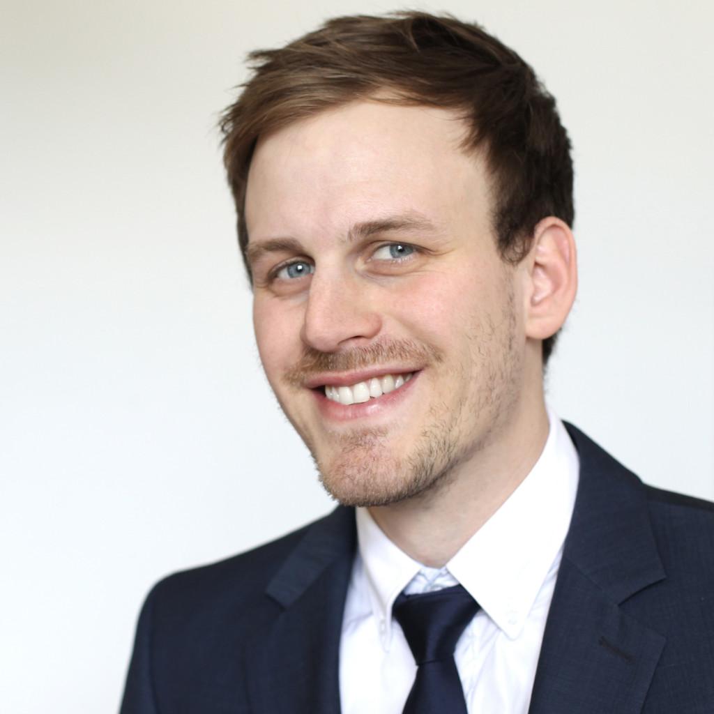 Jakob lehner junior consultant bwc management for Junior consultant