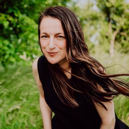 Claudia Lommel - CLAUDIA LOMMEL / CREATIVE STUDIO - Berlin