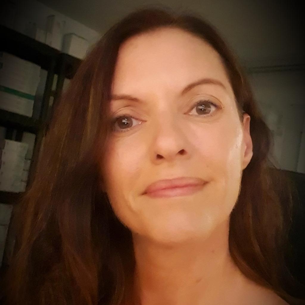 <b>Michaela Wulff</b> - Examinierte Krankenschwester, Wundexpertin ICW - Fachpraxis ... - stephanie-nave-foto.1024x1024