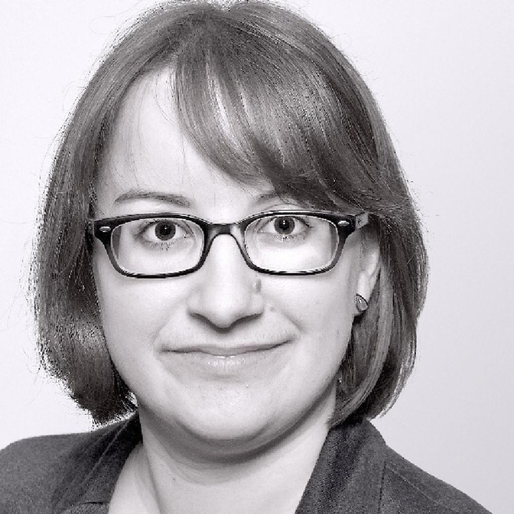 Eva Maria Bauer
