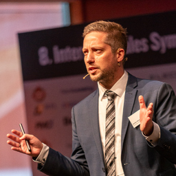 Dr. Stefan Wolpert