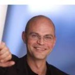 Dr. Thomas Niemann